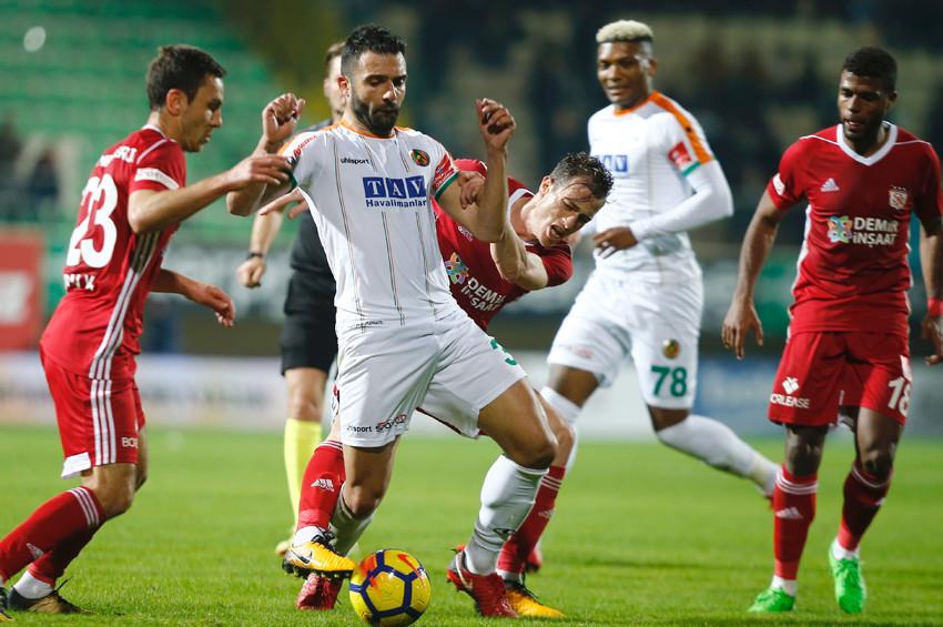 Sivasspor son dakika golüyle 3 puandan oldu