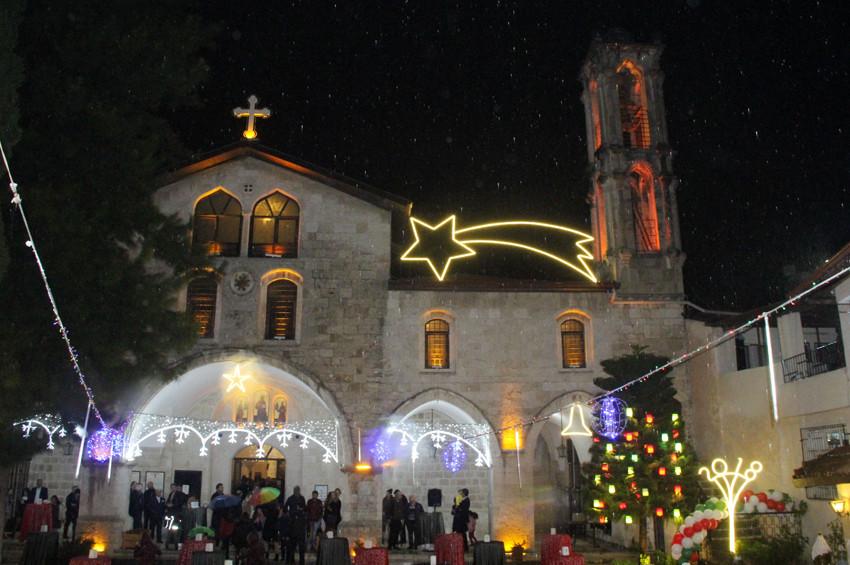 Yurt çapında Noel ayini kutlamaları