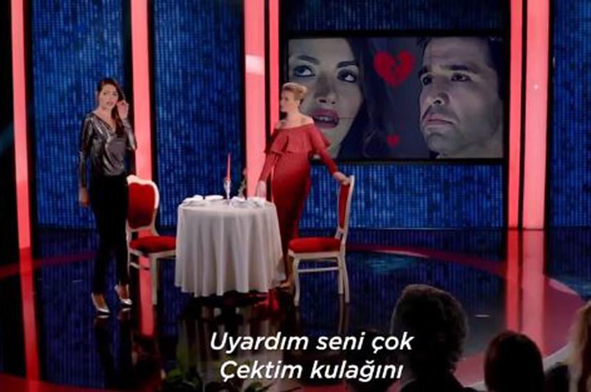 Netflixten Türkiye için Esra Erollu Black Mirror Reklamı
