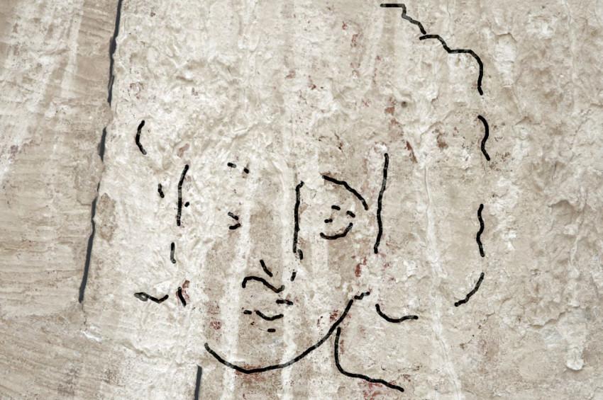 Hz Isanın Kısa Kıvırcık Saçlı Sıradışı Tasviri Keşfedildi