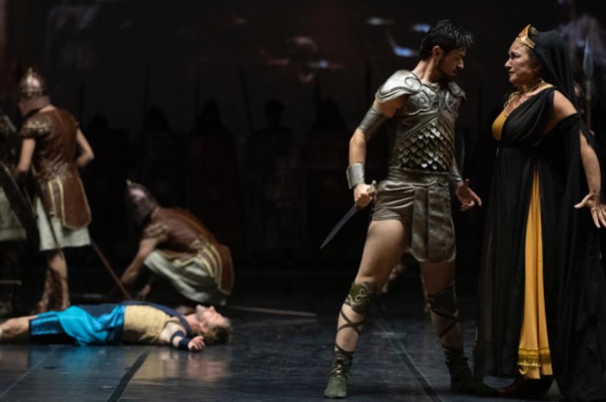 Devlet Opera ve Balesinden Troya