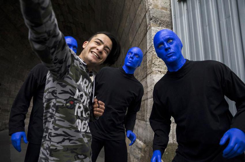 Blue Man Group İstanbul sokaklarındaydı