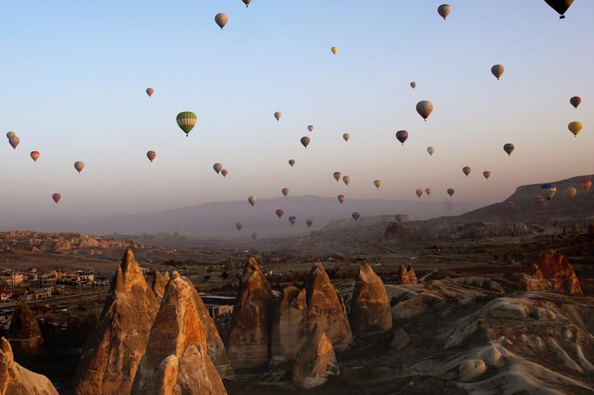 329 bin kişi Kapadokyayı gökten izledi