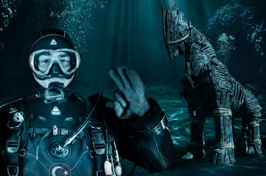 Akvaryum Adam Cem Karabay denizden rekorla çıktı