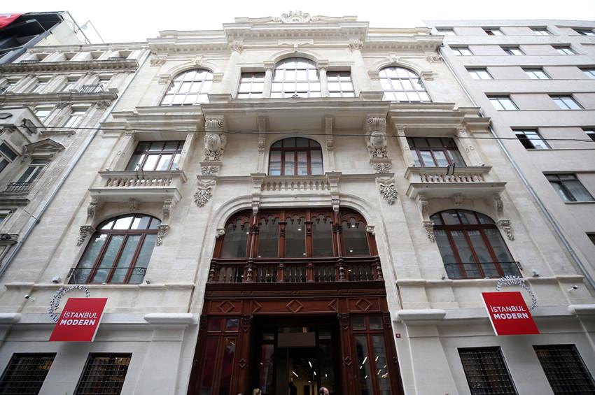 İstanbul Modernin yeni mekanı açıldı