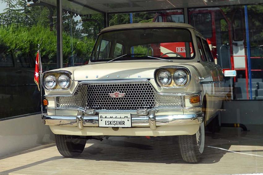 Türkiyenin ilk yerli otomobili: Devrim Arabası