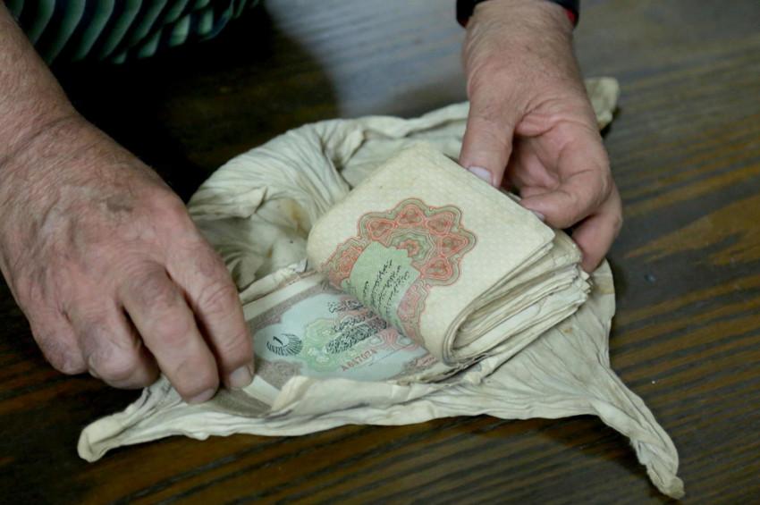 Filistinde 103 yıldır sahibini bekleyen paralar
