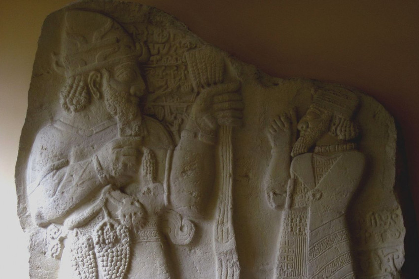 Hitit Mitolojisinin tanrı ve tanrıçaları