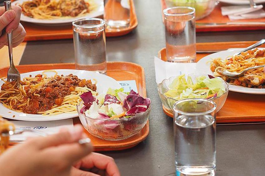 Yemek yeme hızını azaltacak 9 öneri