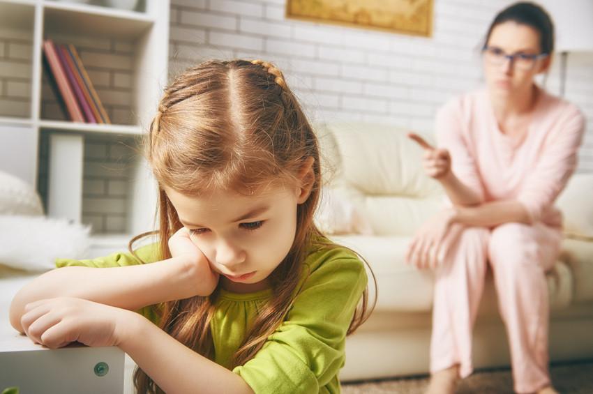 Uzmanlar ebeveynleri karne tepkisi konusunda uyarıyor