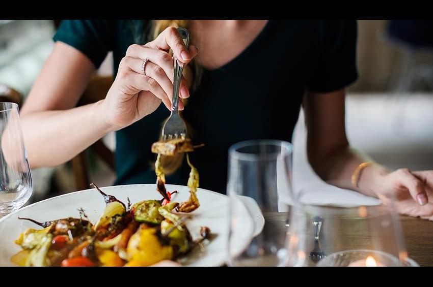 Dışarıda yemek zararlı kimyasal maddelere davetiye demek