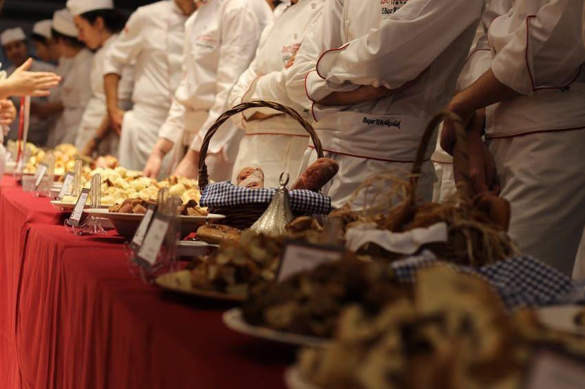 Türkiye'den 10, dünyadan 28 ekmek yarıştı