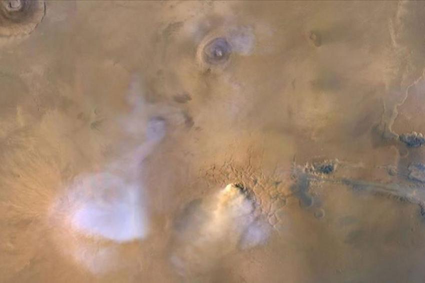 Kum fırtınaları Marsta dikey sütunlar oluşturabiliyor