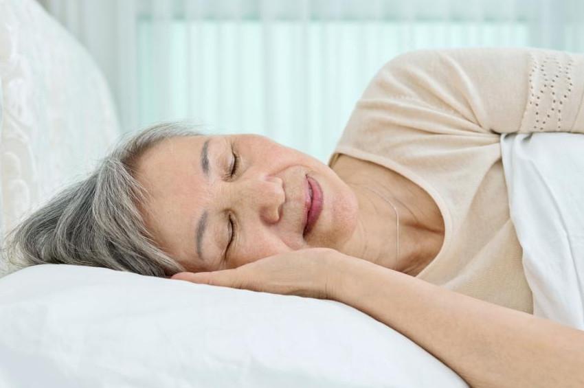 Uyku apnesi hastalarına felç uyarısı
