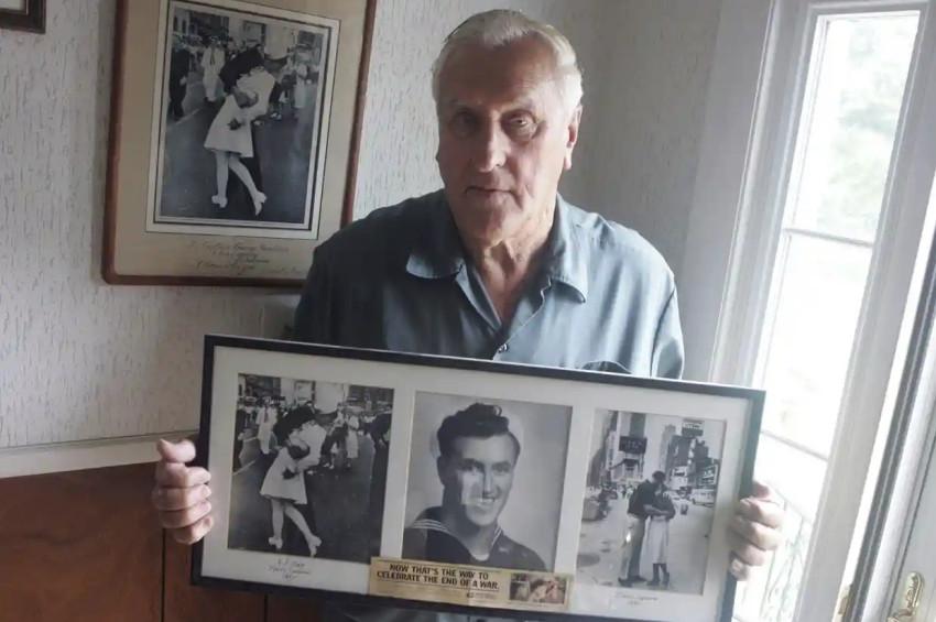 İkinci Dünya Savaşınınünlü öpüşen askeri öldü