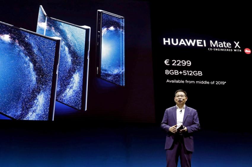 Huaweiden katlanabilir telefon