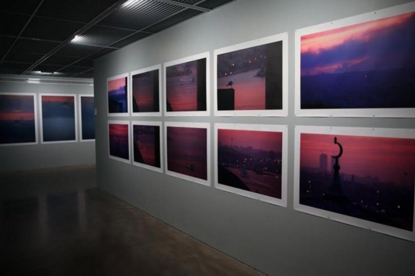 Orhan Pamuktan Balkon Fotoğraflar sergisi