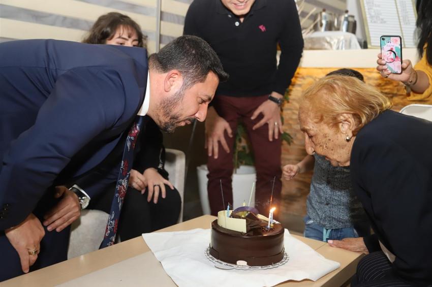 Cacilda Marilia Do Nascimento 113. yaşını Kapadokyada kutladı
