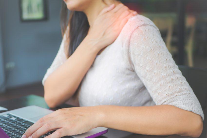Boynunuzun ağrımaması için ofiste bu hataları yapmayın