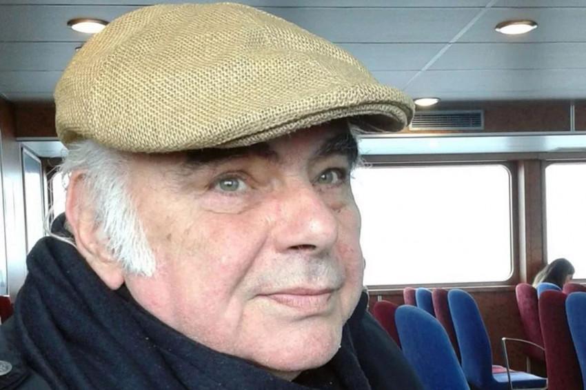Ünlü sanatçı Enis Fosforoğlu 71 yaşında vefat etti