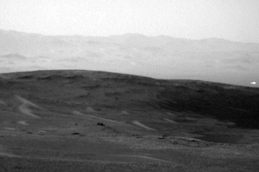 Kızıl Gezegen Marsta yakalanan gizemli ışık