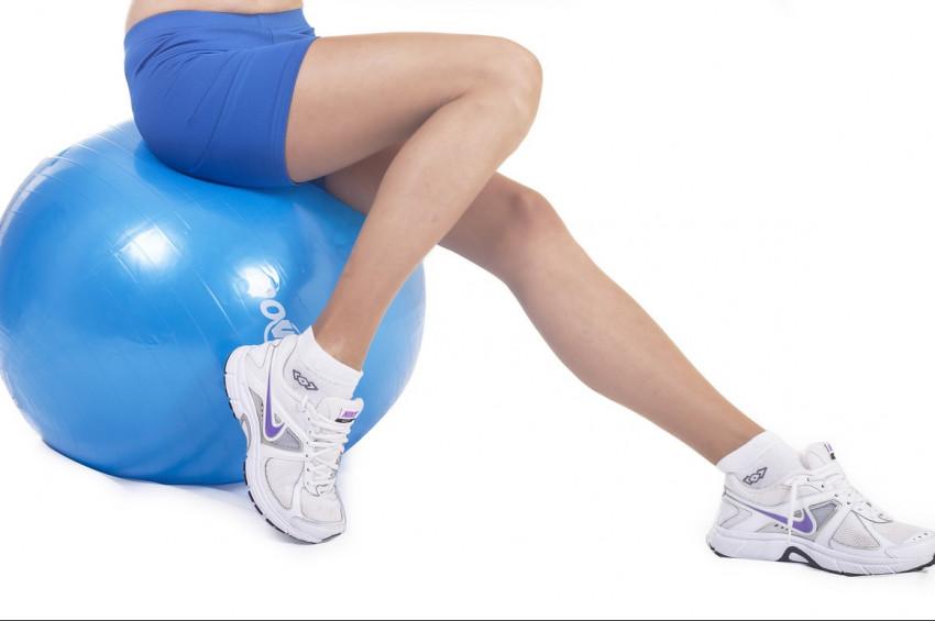Omurga sağlığı için Sırt üstü yüzme ve pilates