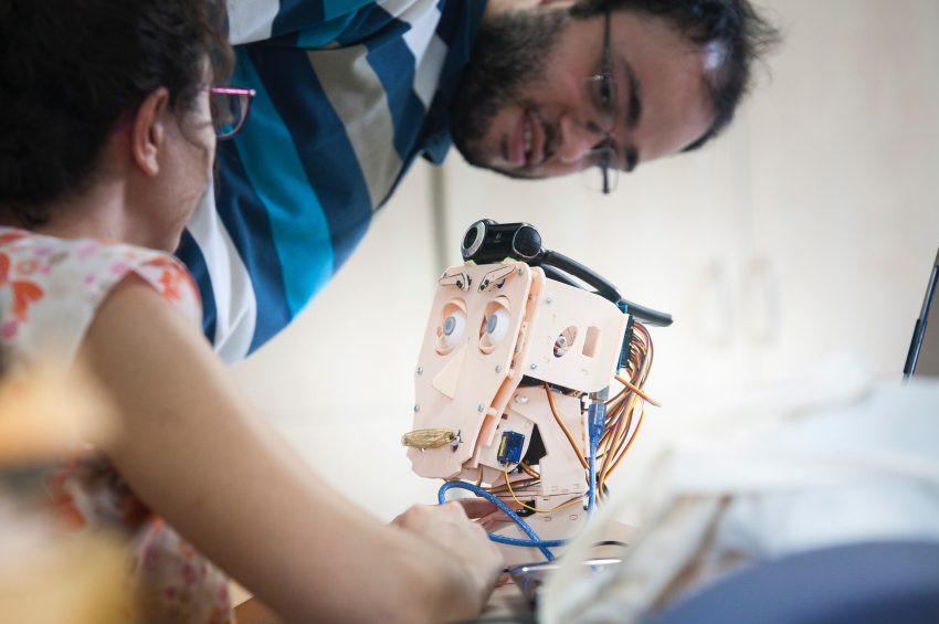 Türk malı duygusal robot tasarlanıyor