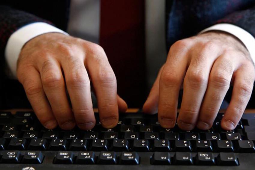 Dünya klavye şampiyonu Celal Aşkın yeni rekor peşinde