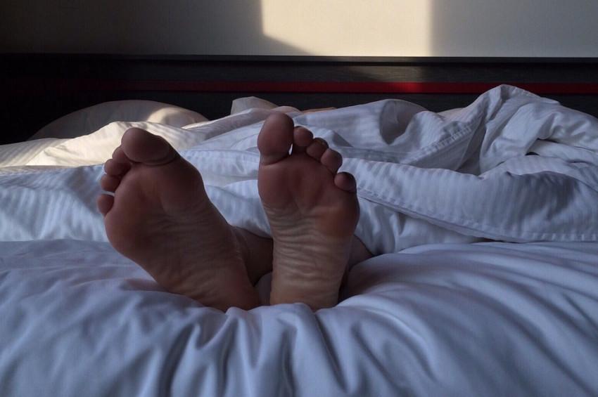 Sıcak havalarda rahat uyumak için ne yapmalı?