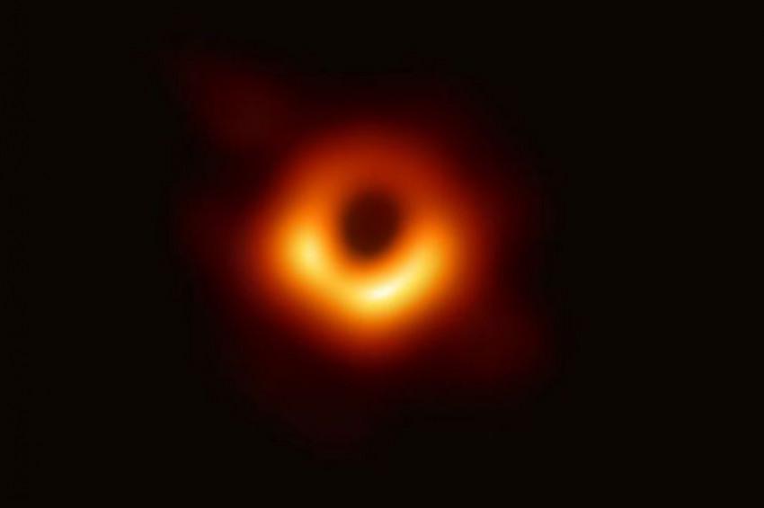 Kara delik nötron yıldızını yutarken yakalandı