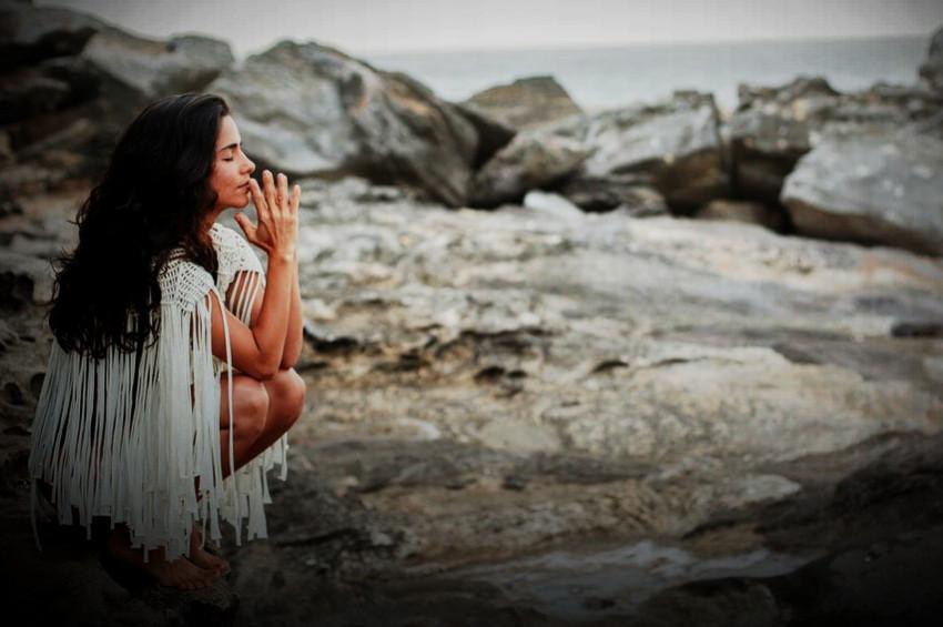 Zor zamanlara yaşamla akmayı öğrenmek