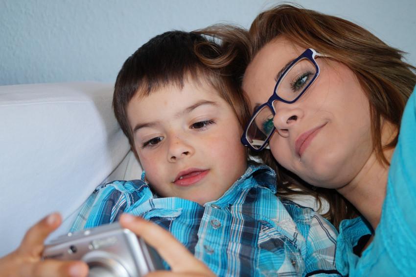 Anne babalar boşanma kararını çocuğa nasıl anlatmalı?