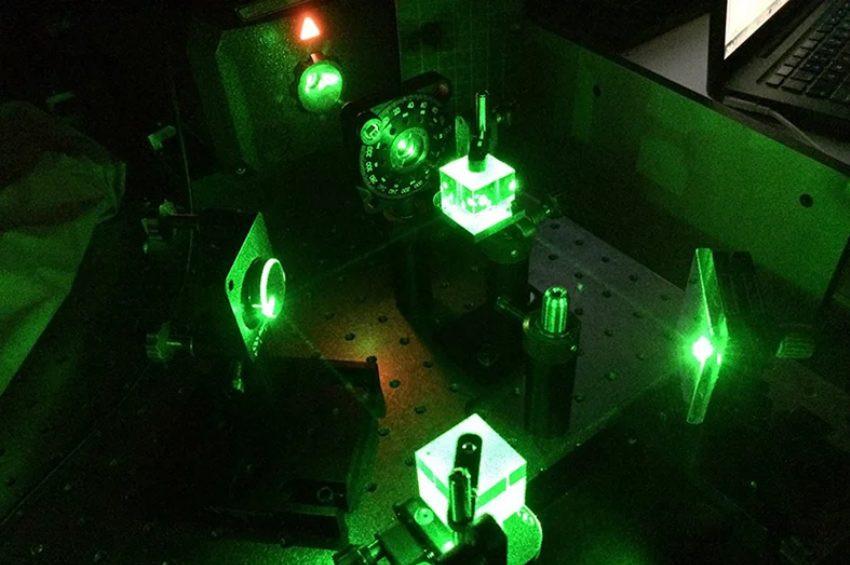 Işık ve katı madde arasında akıllı etkileşim oluşturuldu