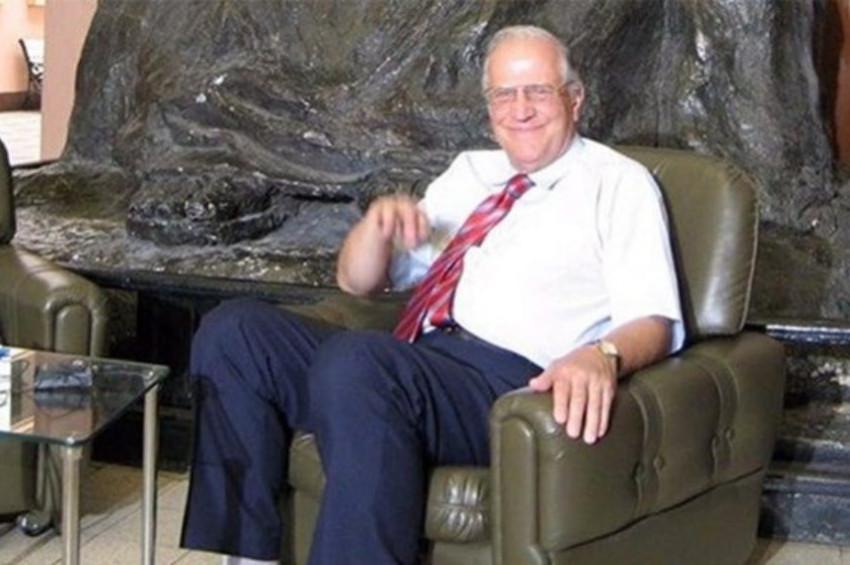 Prof. Dr. Ali Ülkü Azrak korona virüs nedeniyle vefat etti