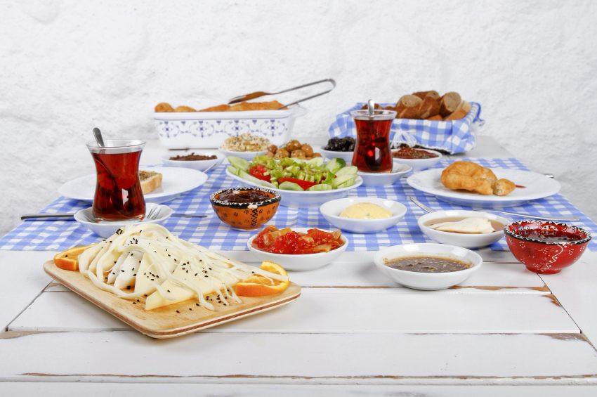 Ramazan Bayramı'nda beslenmenin püf noktaları