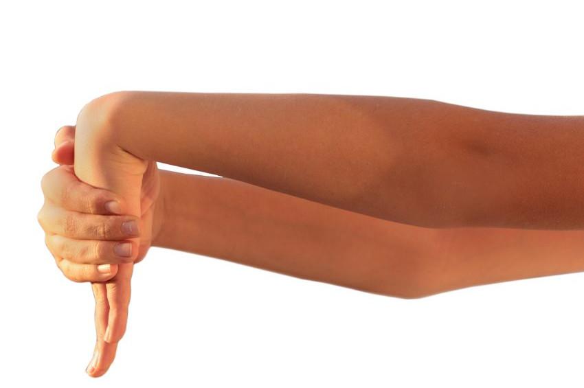 Ağrıyan dirsekleri güçlendiren egzersiz