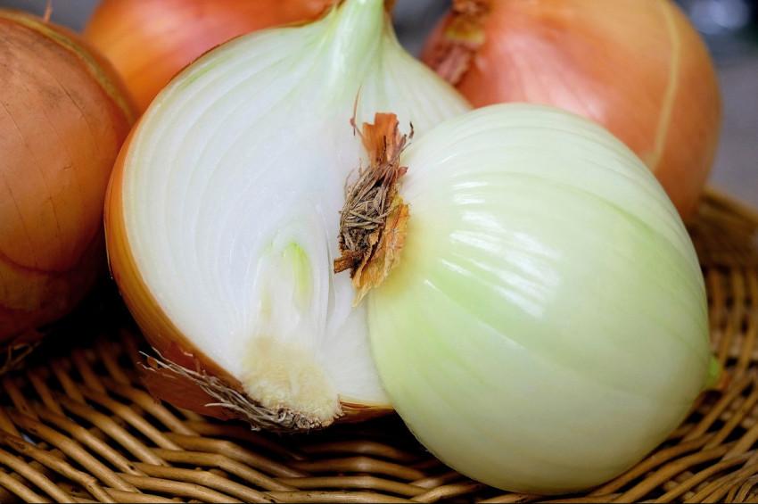 Kuru Soğan Salatası Tarifi