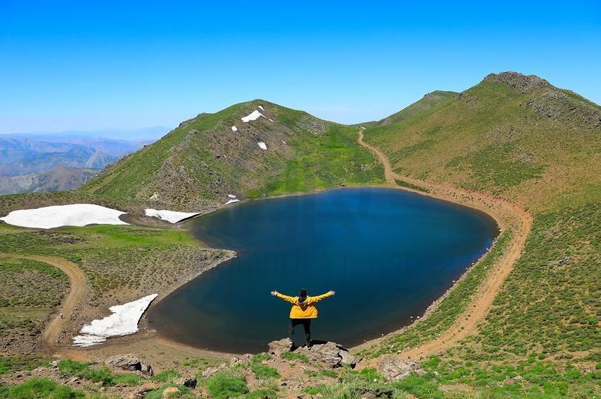 Kalp şeklindeki Gerendal Gölüne ilgi yoğun
