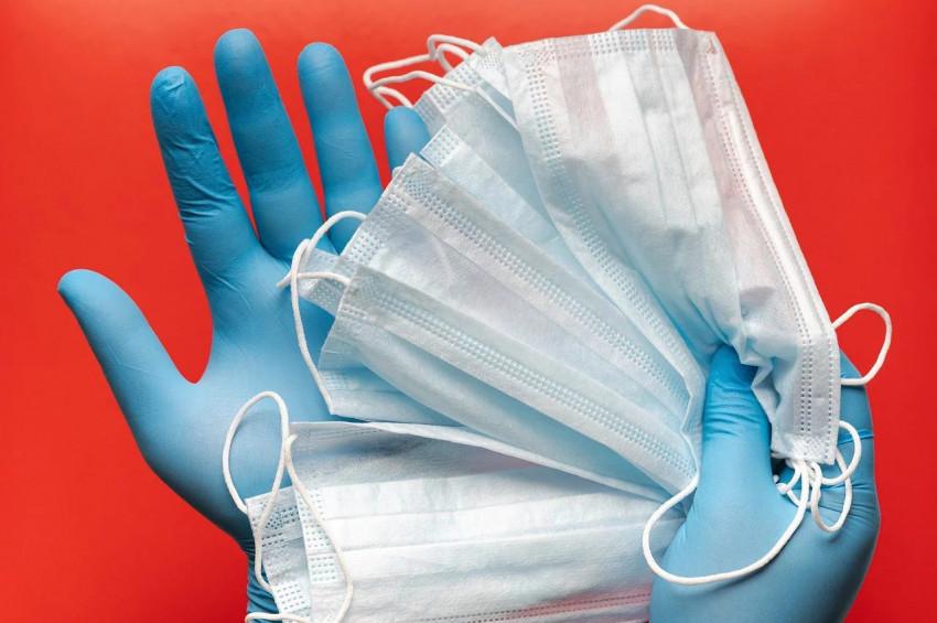 Sokağa atılan maskeler virüs bulaşma riskini artırıyor