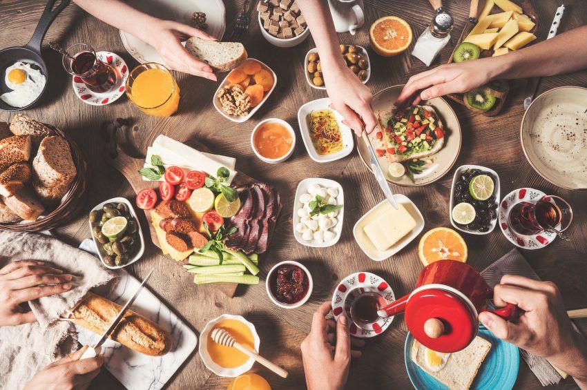 Sağlıklı kahvaltıda hangi besinler olmalı?