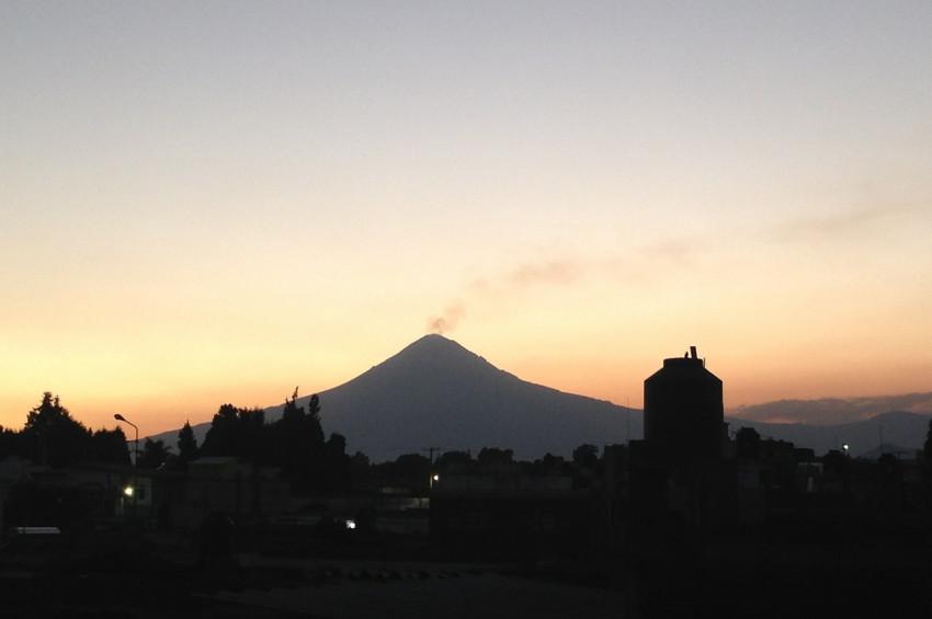 Popocatepetl Yanardağı patladı