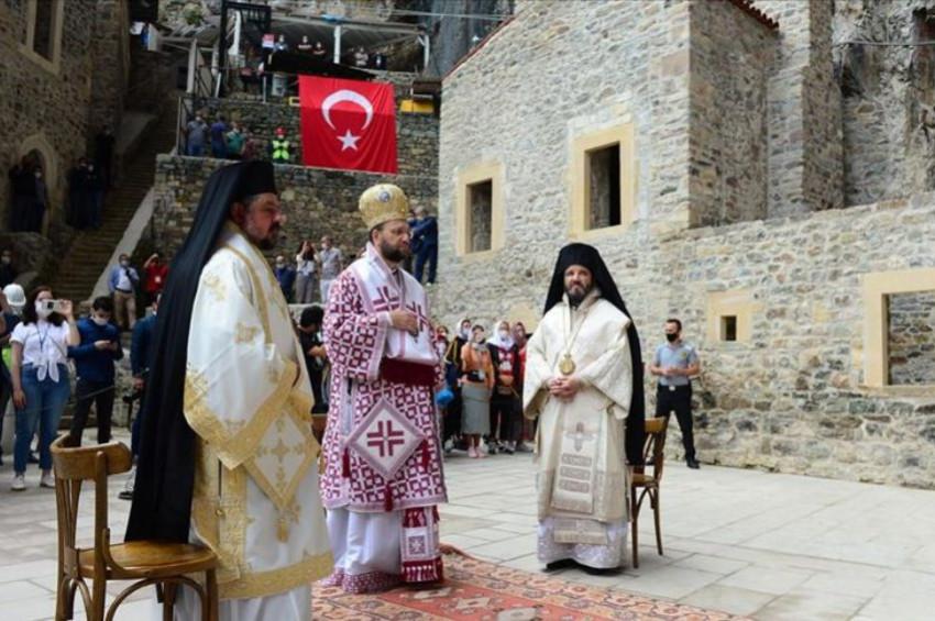 Sümela Manastırında Meryem Ananın göğe yükseliş günü ayini yapıldı