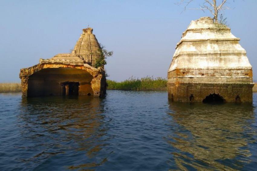 Hindistan'da batık Vişnu Tapınağı bulundu