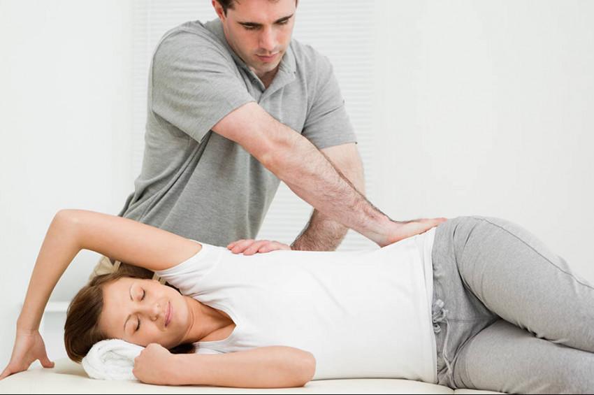 Ameliyatsız, iğnesiz ve ilaçsız tedavi yöntemi: Manuel terapi