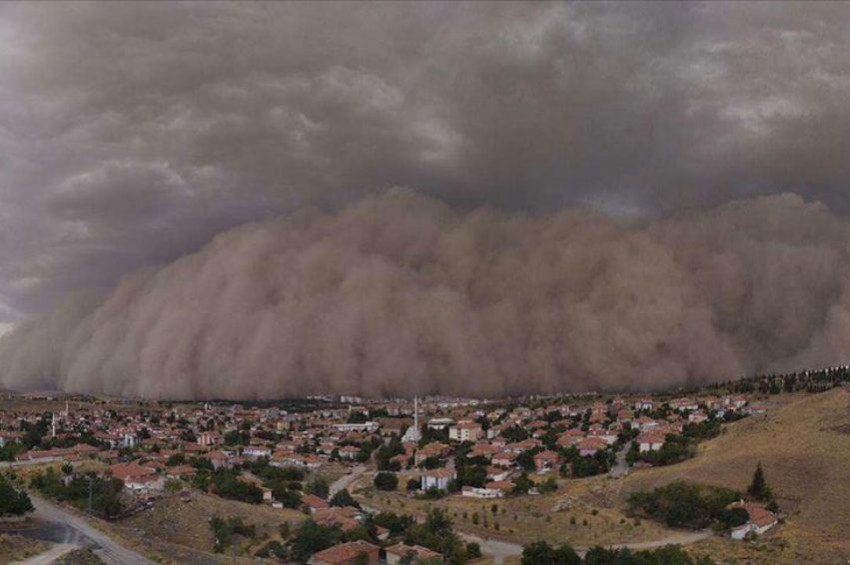 Toz fırtınası ve kuvvetli rüzgar öldürebilir uyarısı