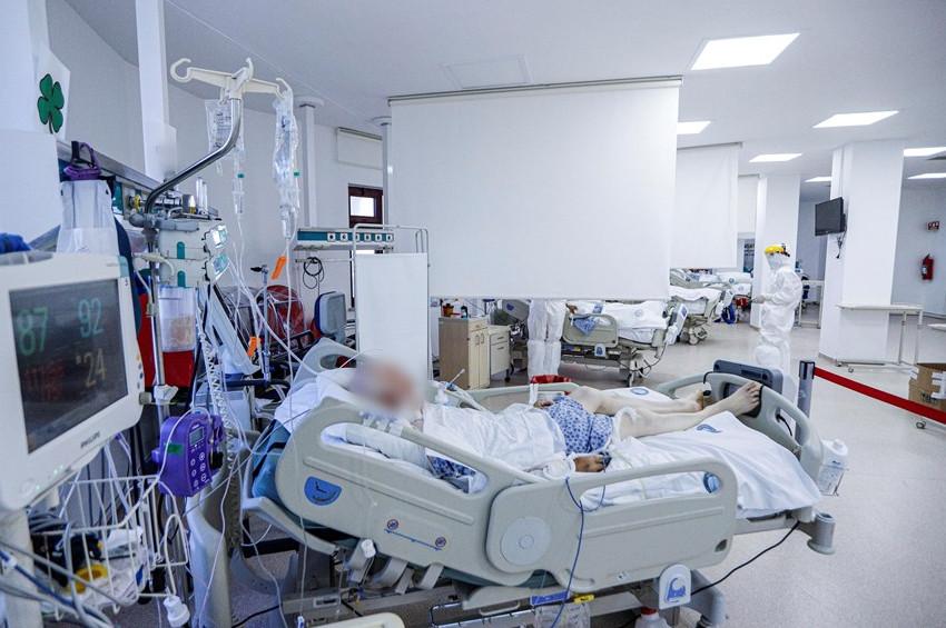 Koronavirüsten dolayı yoğun bakımdaki genç hasta sayısı arttı