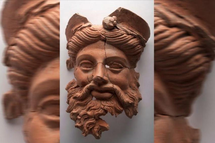 Bandırmada 1600 yıllık Dionysos maskı bulundu