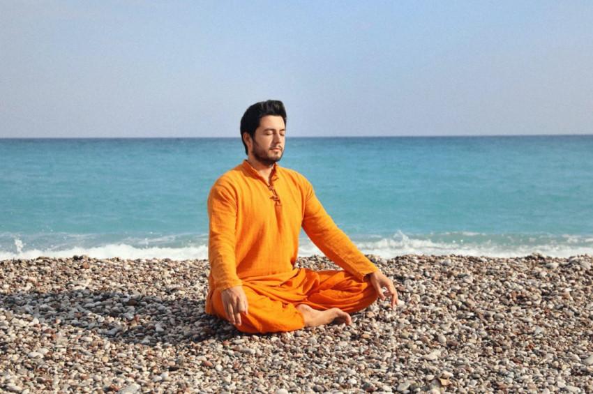 Gayatri Mantra Meditasyonu