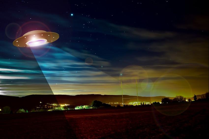 İstanbulda  UFO ve Yeniçağ Kongresi!