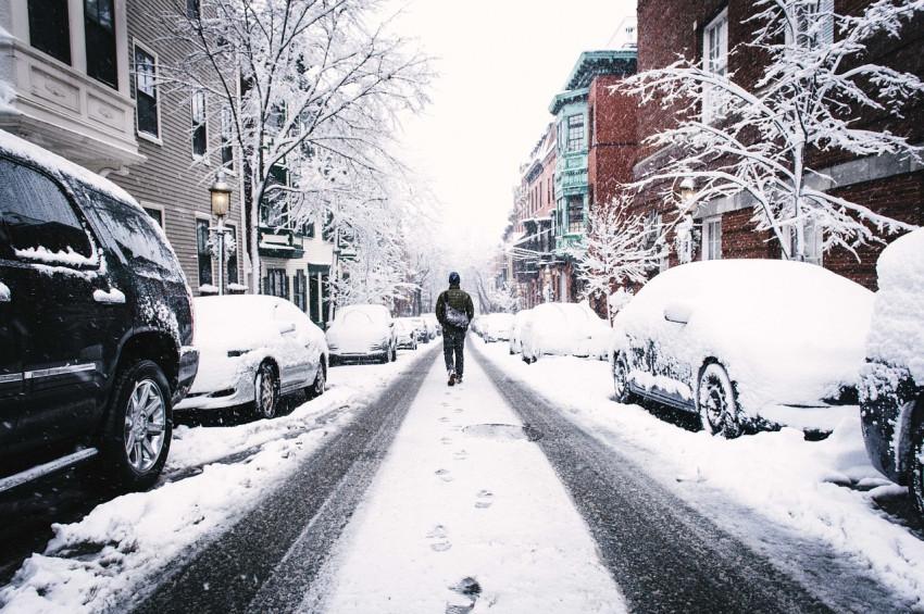 Karlı ve buzlu zeminde yürürken dikkat edilecekler
